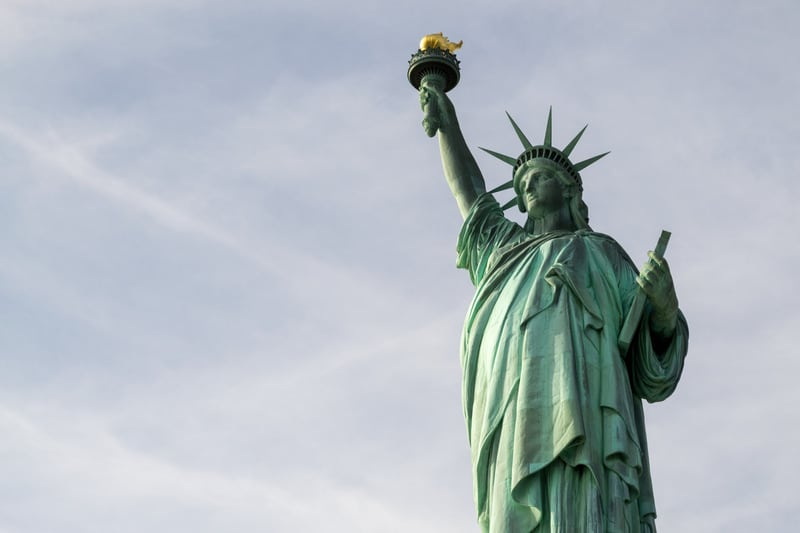 How Our O1 Visa Lawyers Can Help